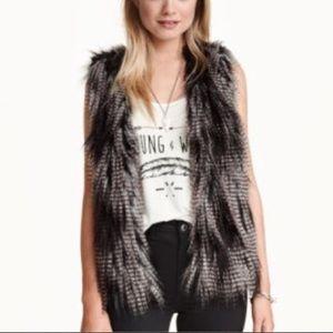 Divided H&M faux fur vest size 8